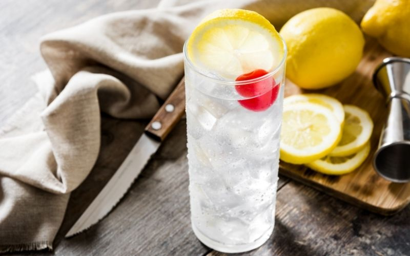 A glass of Tom Collins