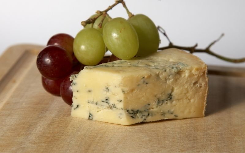 Blue stilton cheese and grapes