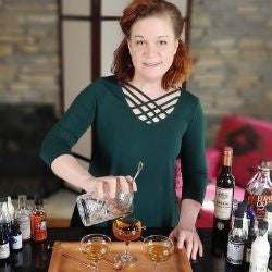 Heather Wibbels aka the Cocktail Contessa making classic cocktail