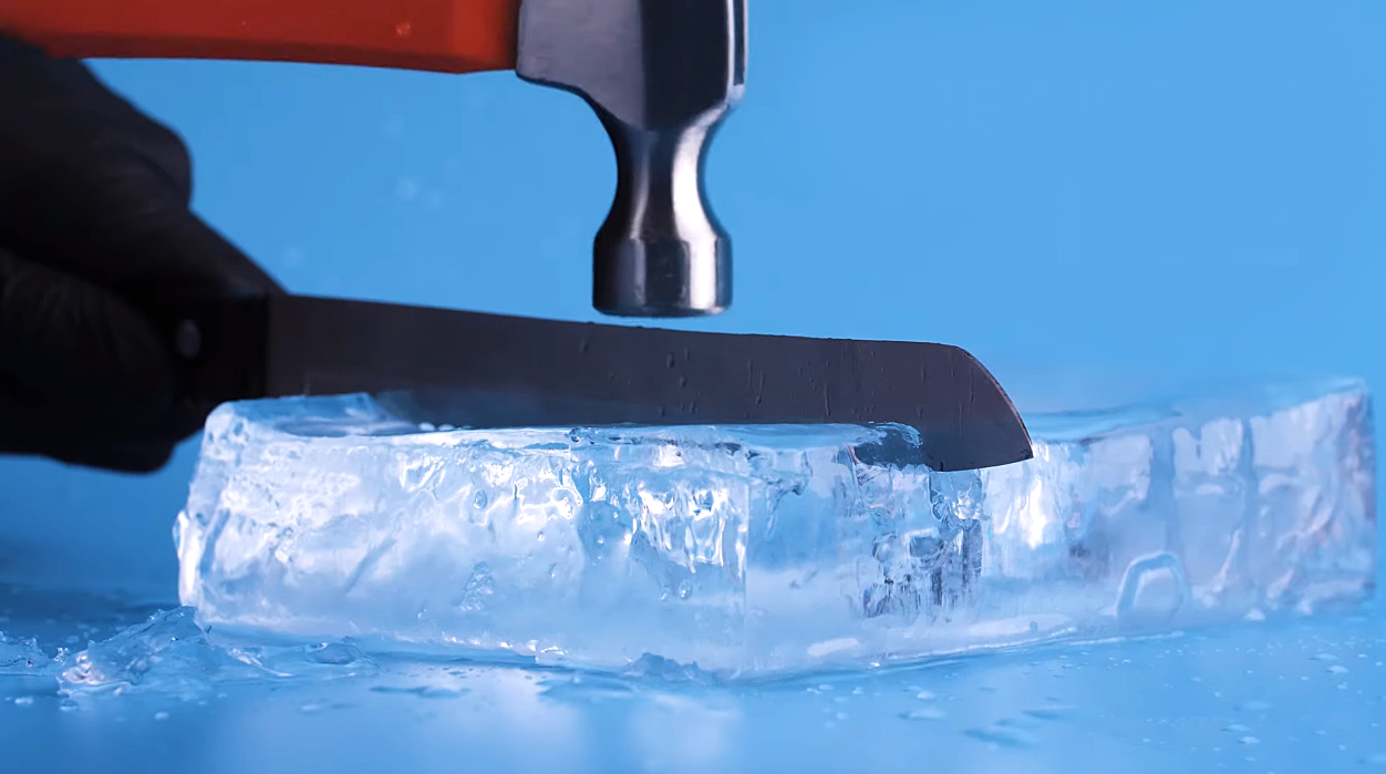 Cooler Method: How to Make Clear Ice [Image by USA TODAY Life]