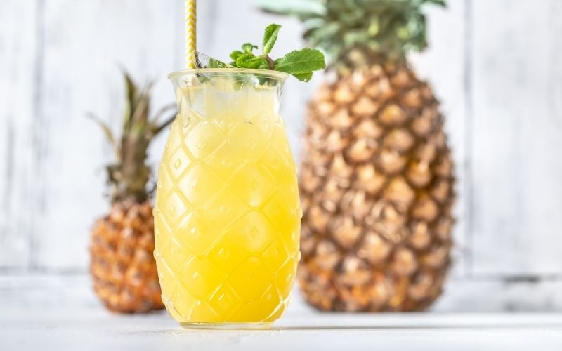 The Lucky Few cocktail with pineapple fruits