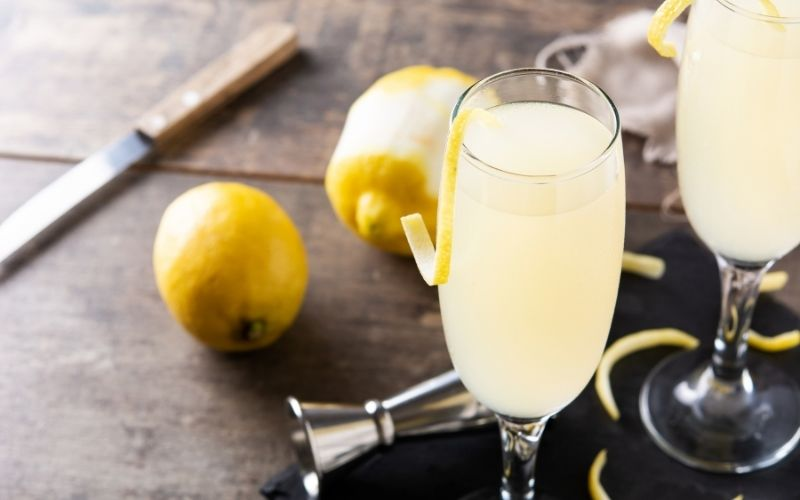 Two glasses of French 75