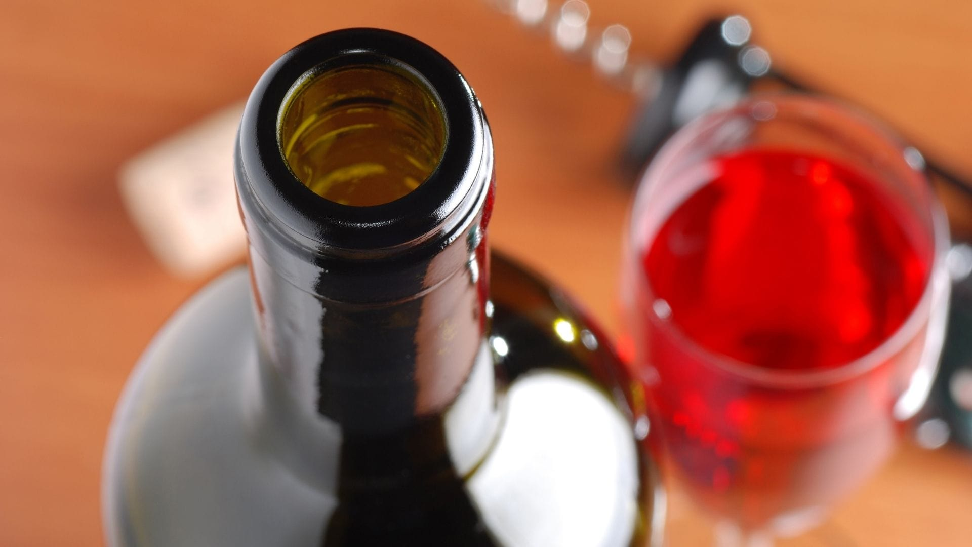 Unifinished bottle of wine's lifespan with a wine preserver