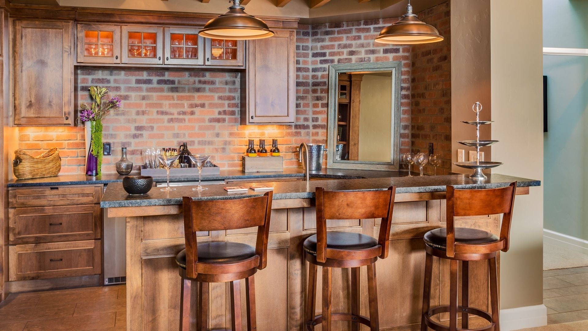 How to Build a DIY Home Bar: Step-by-Step Guide