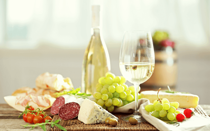 White wine and food