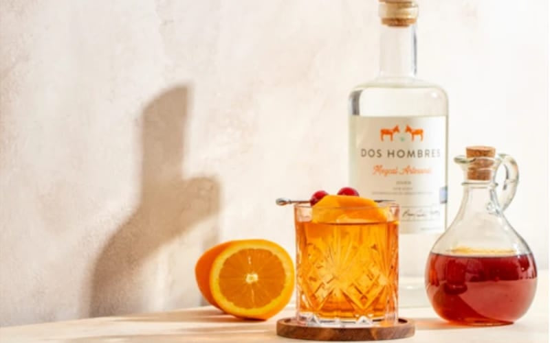 Dos Fashioned cocktail