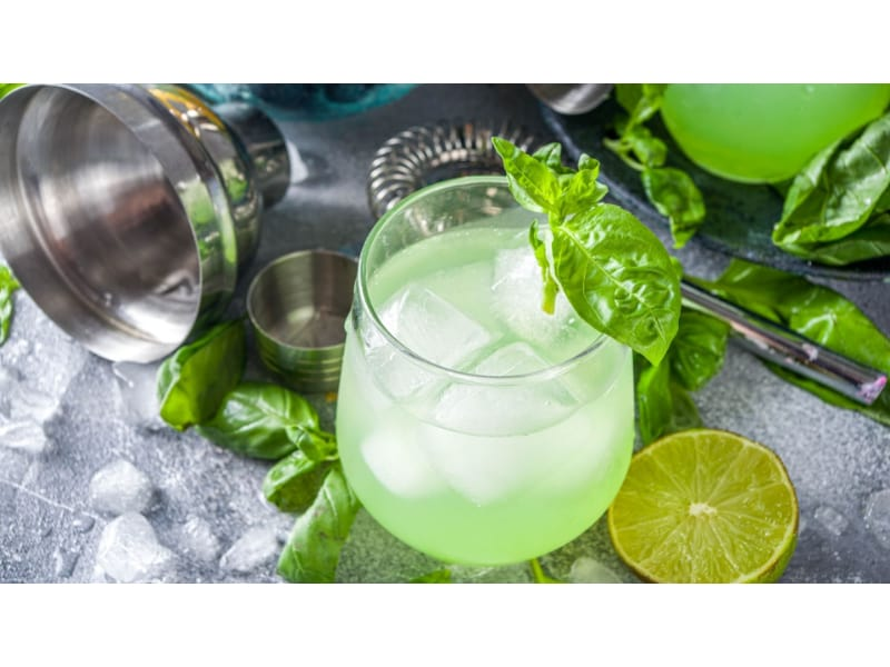 Green tea gin with mint and lime