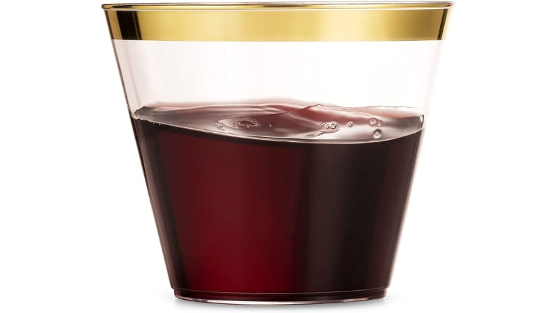Munfix Plastic Cup with wine