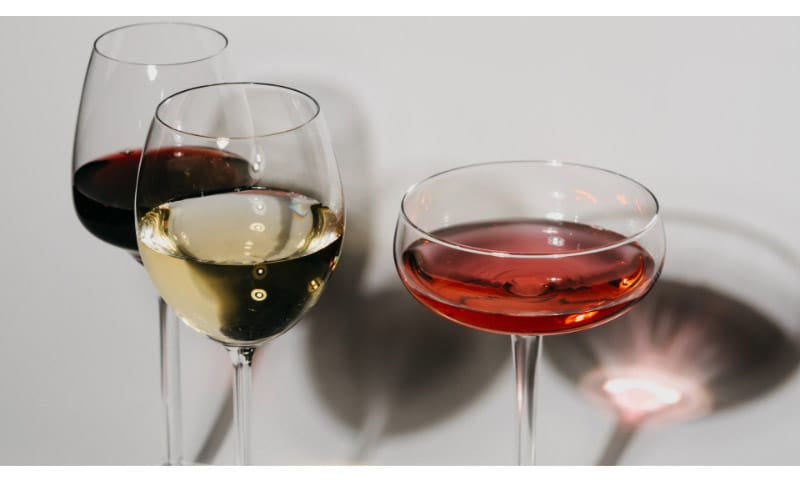 Red and White wines in a glass