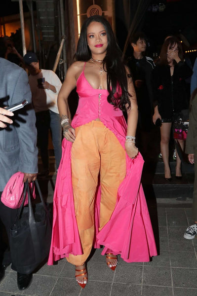 Rihanna Round Neck Dress Pink Spaghetti Strap Casual Cocktail Dresses Prom South Korea Evening Celebrity Gowns
