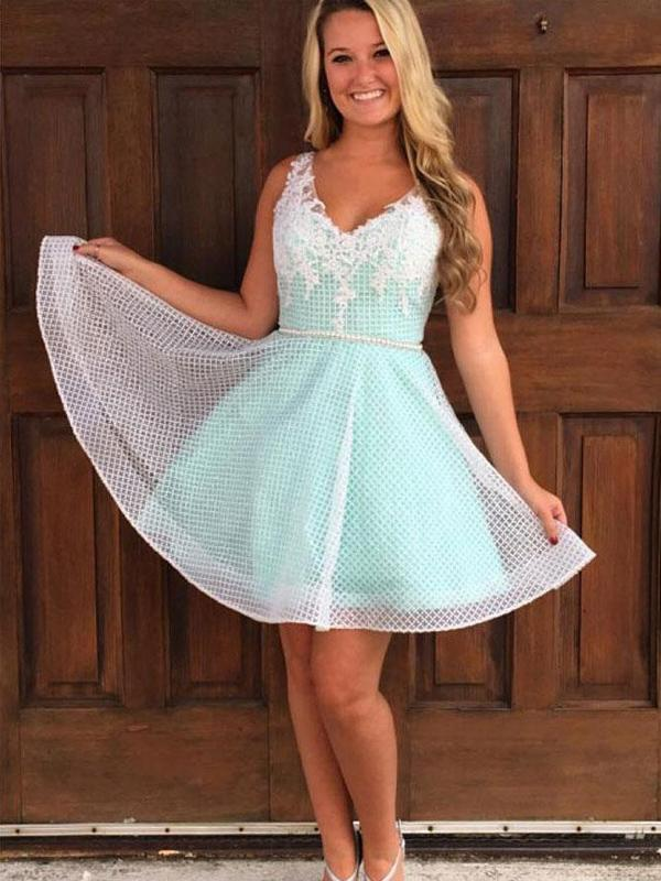 Peppermint Green V-neck Homecoming Dresses with Applique Reticulation Tulle