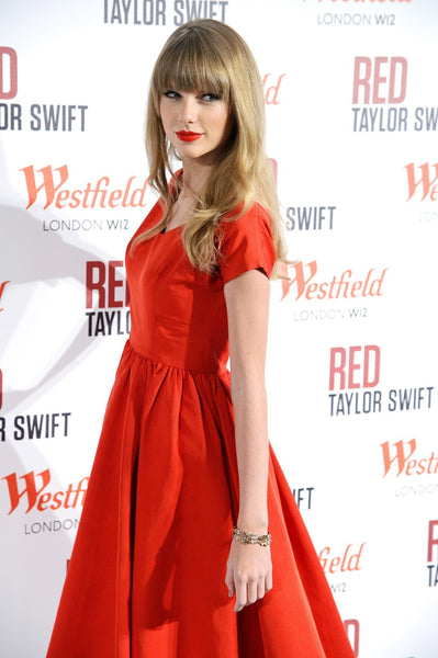 Taylor Swift Orange Dress Pleated Cap Sleeves Prom Celebrity Dress Christmas Lights Ceremony