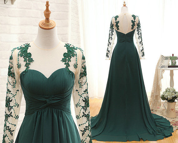 Elegant Green Prom Dress with Lace