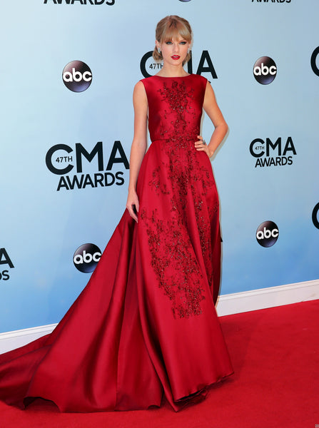 Taylor Swift Red Satin Dress Sleeveless Boat Neck Sequins Prom Gown CMA Awards Celebrity Formal Dress
