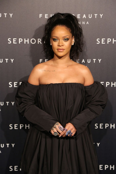 Rihanna Black Short Dress Long Sleeves Pleated Classic Prom Ball Gown Fenty Beauty Photocall Celebrity Formal Dress