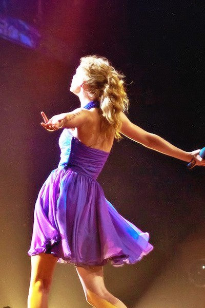 Taylor Swift Purple Dress Pleated Open Back Short Prom Celebrity Gown Speak Now Tour Party Dress