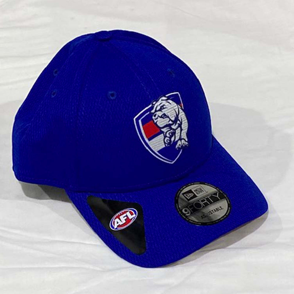 Load image into Gallery viewer, Western Bulldogs 9Forty Team Snap Cap