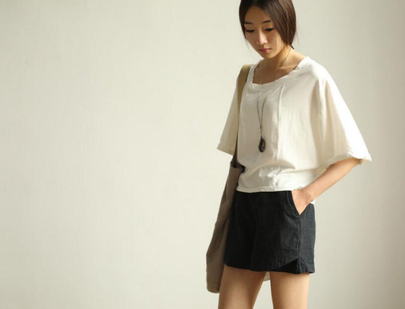 women linen black shorts