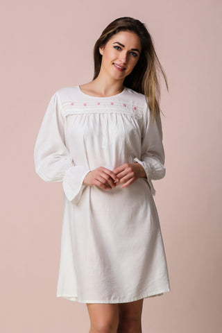Daneen, Nightdress