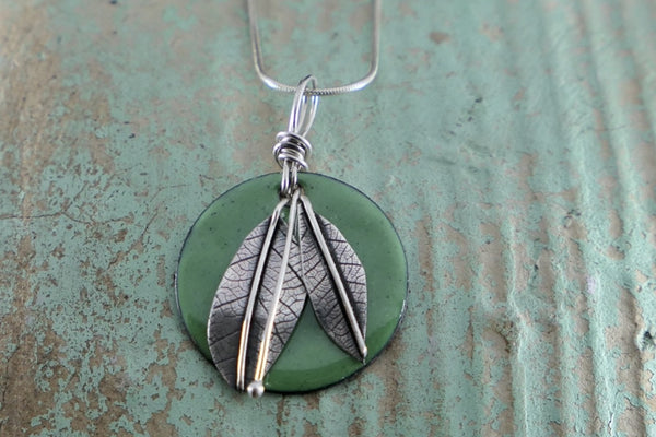 Dark Green Enamel and Silver Leaves Circle Necklace