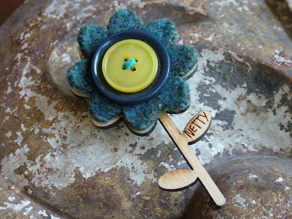 Vintage and Preloved Wooden Flower Button Brooch