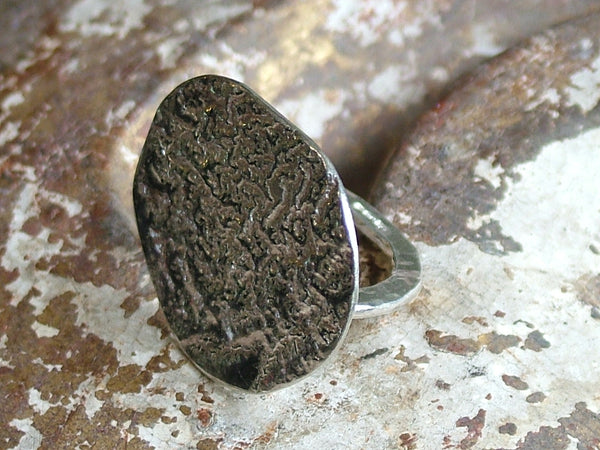 Big Pebble Reticulated Ring