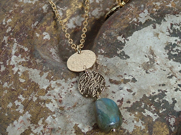Harmonia Pendant with Labradorite Pebble