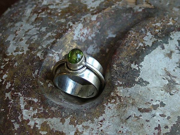 Vintage and Preloved Oval Peridot Ring