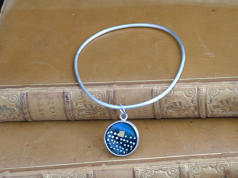 Single Bangle with Pebble Charm