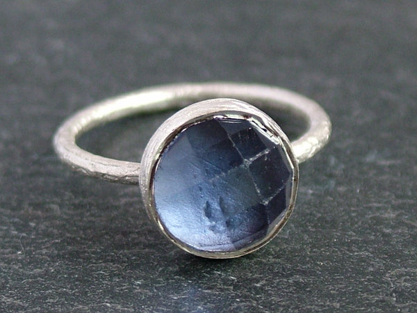 Round Cupcake Ring with Iolite
