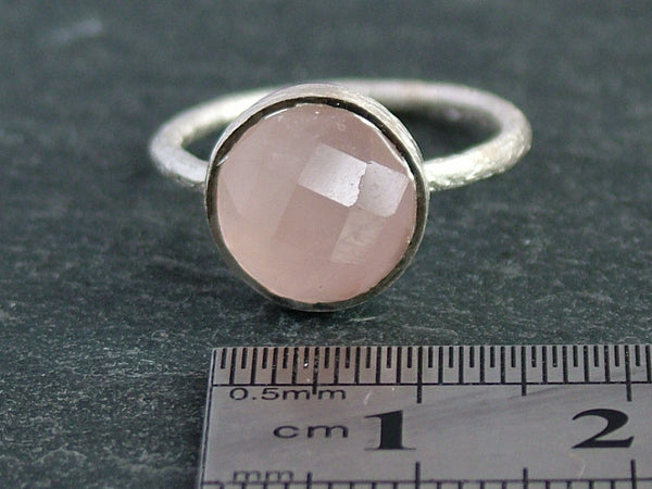 Round Cupcake Ring with Rose Quartz