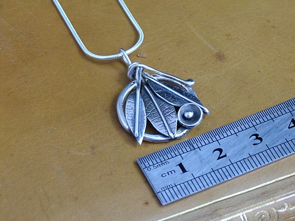 Small Three Leaf Pendant