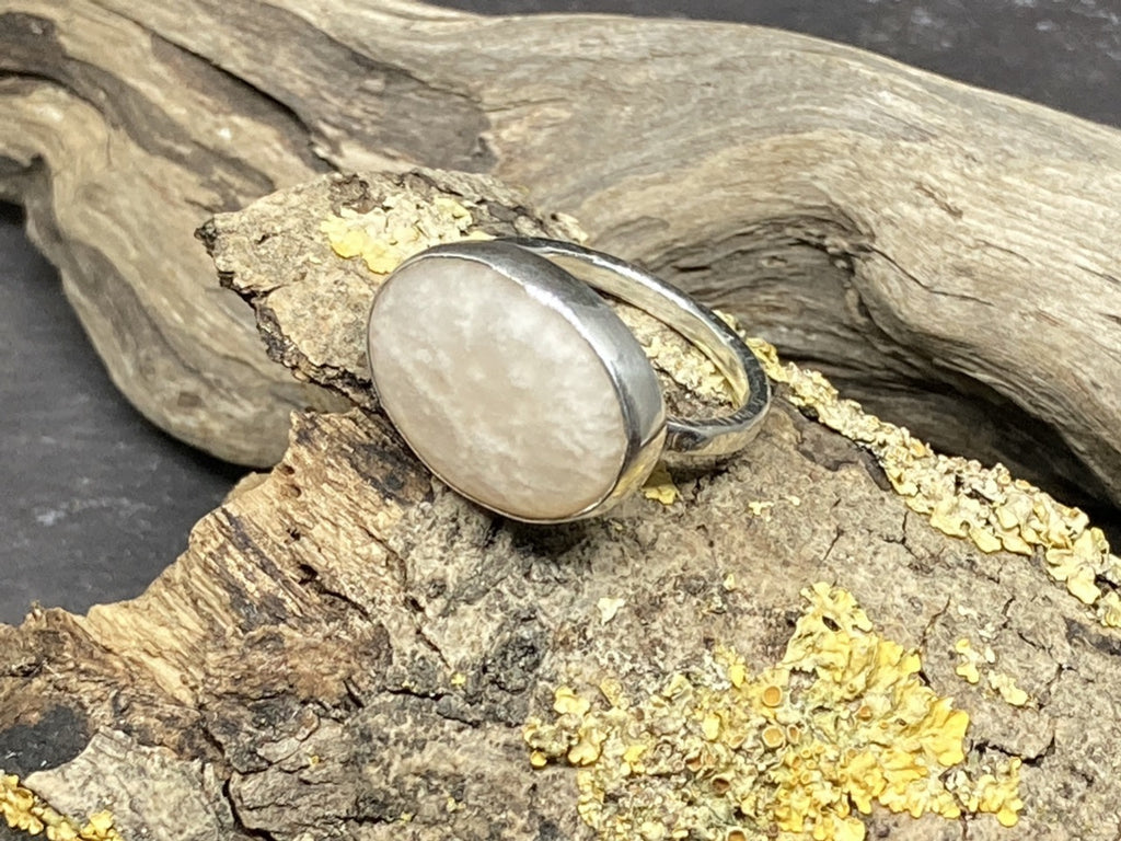 Creamy Agate Ring