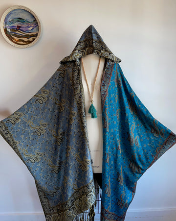One Size Fits All.  Blue Moon Lunar Eclipse Hooded Flowy Poncho Jacket Cloak