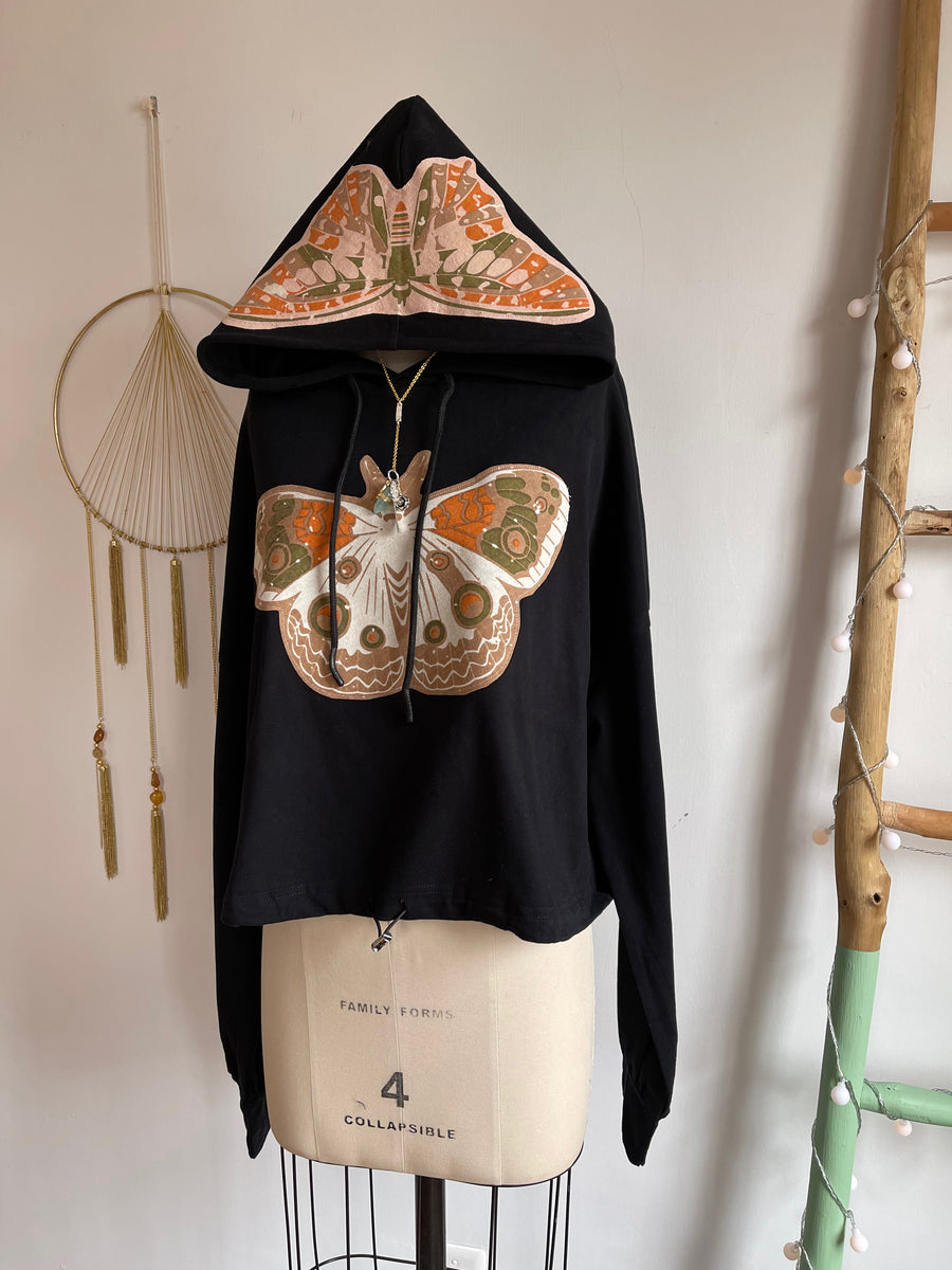 Size 2XL Butterfly Wing Soft Pullover Drawstring Cropped Hoodie Sweatshirt