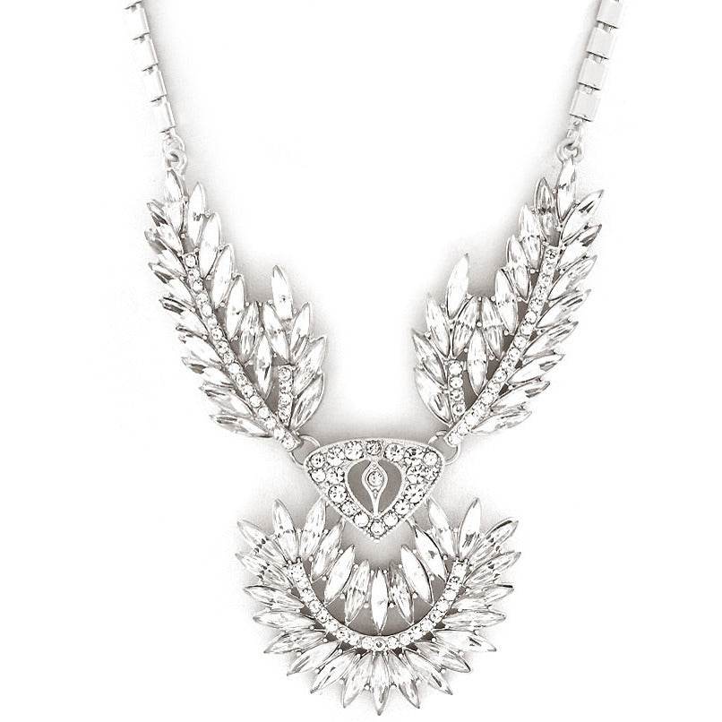 Hollywood Glamour Crystal Necklace - Dazzle Her Now