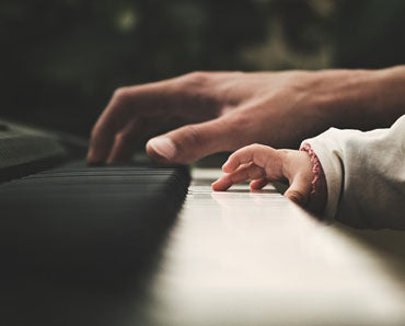 Toddlers development through Music - Piano