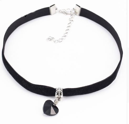 Black Velvet Heart Choker - BellaBijoux
