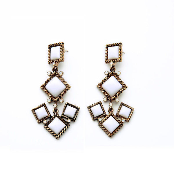 Vintage White Dangle Earrings - BellaBijoux