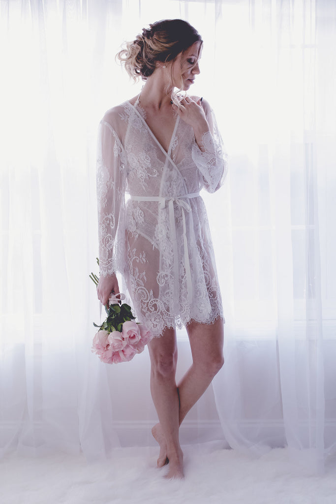 Koki Intimi. Pour Le Boudoir Robe, perfect for a bridal boudoir session or getting ready photos on your wedding day.