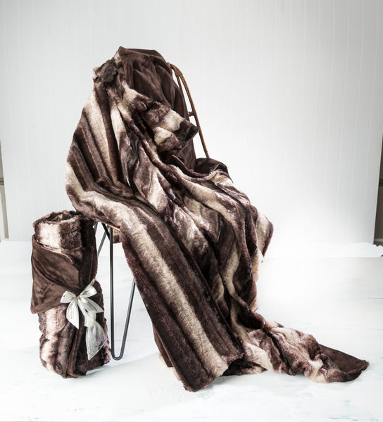 Sonoma Timber Lake Chinchilla Cuddle Throw