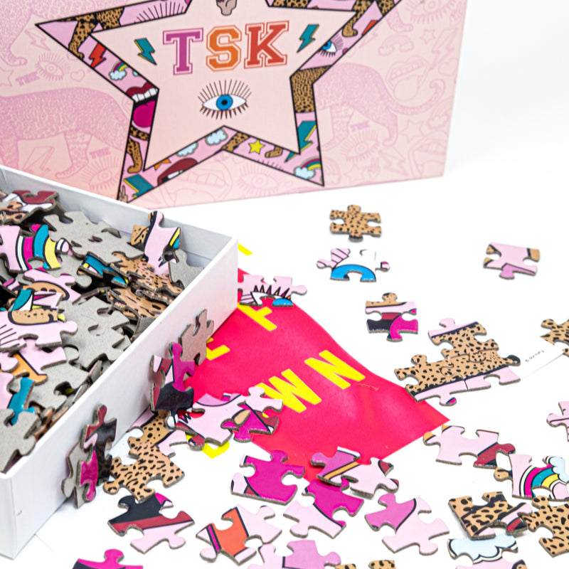 TSK 500 Piece Puzzle HOME The Sis Kiss