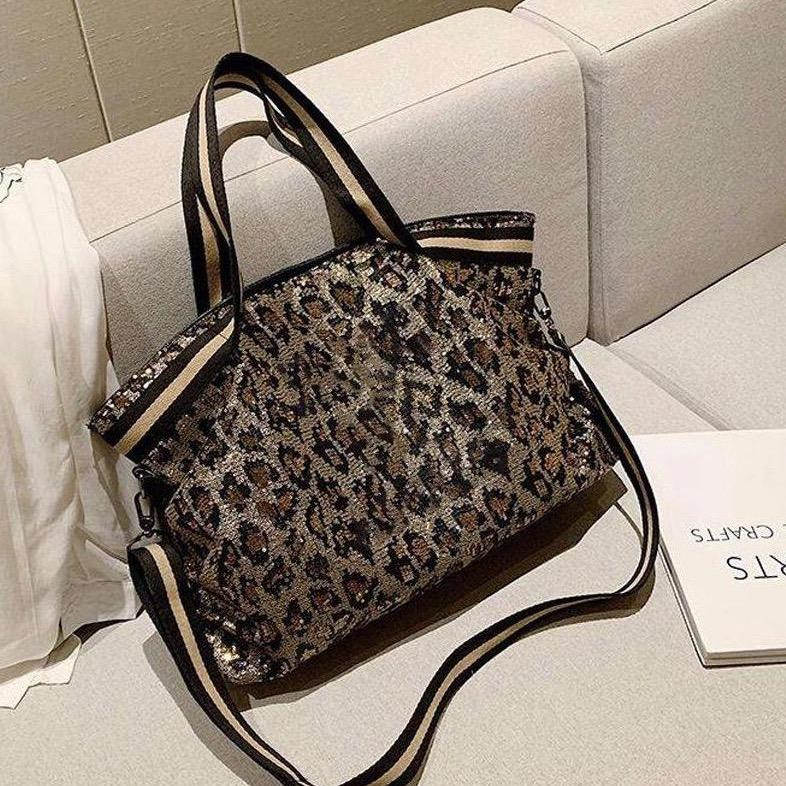 Sparkle Weekender Bag in Leopard Print ACCESSORY The Sis Kiss