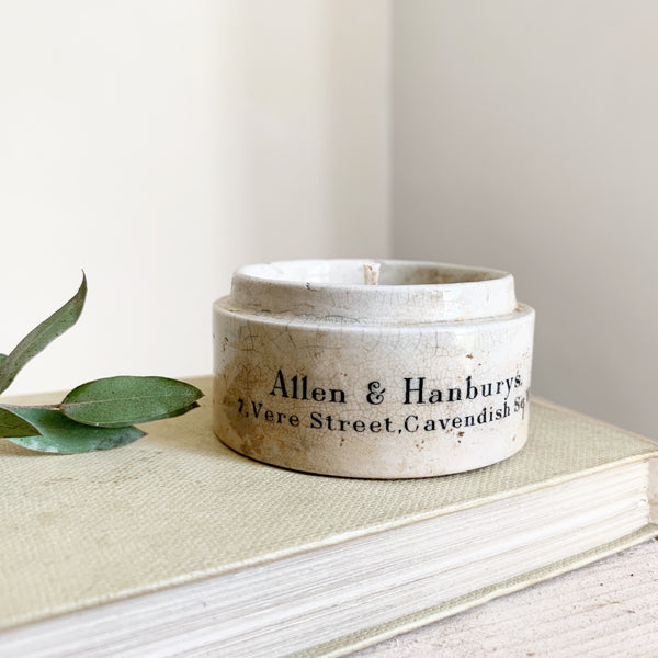 Allen & Hanburys Vintage Dispensing Pot Candle in Black Tea & Jasmine
