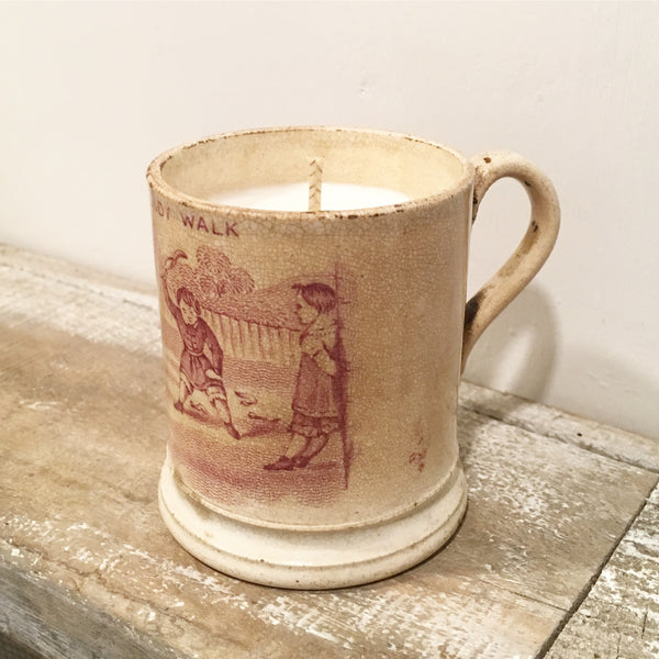 Small Victorian Mug Candle in Wild Fig