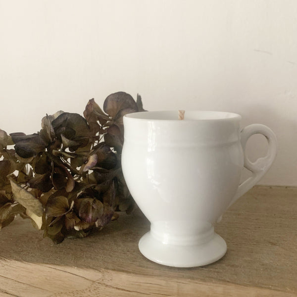 Vintage Cup Candle in Green Tomato Leaf