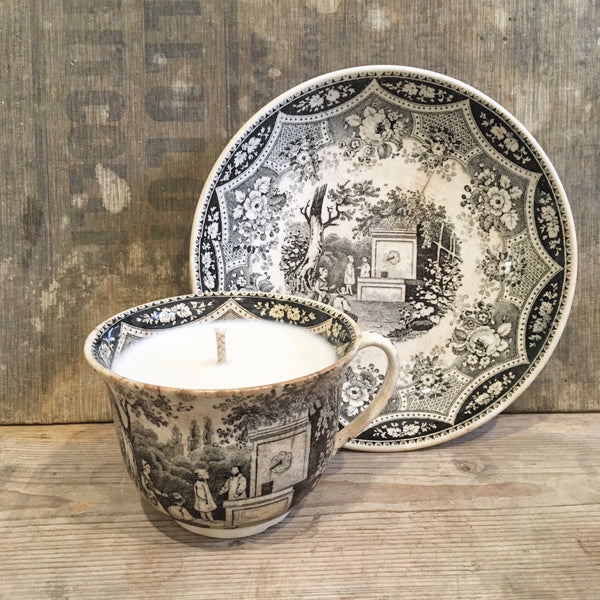 Victorian Teacup Candle in Black Tea & Jasmine