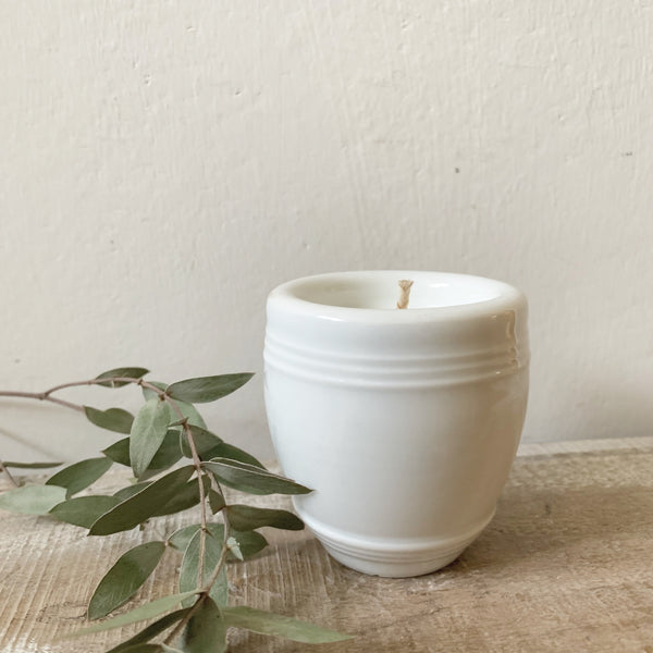 Little French Pot Candle in Green Tomato Leaf