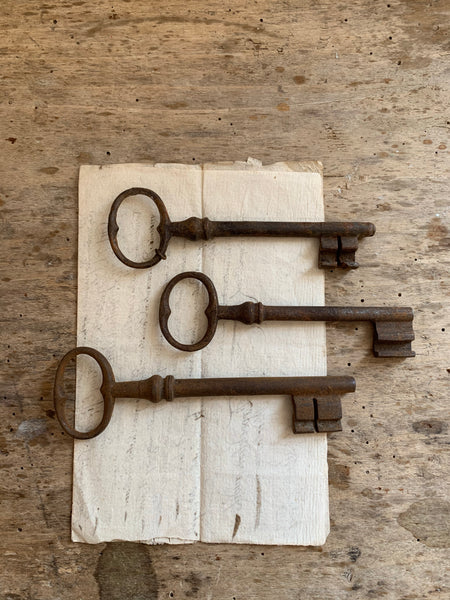 Collection of Vintage Keys