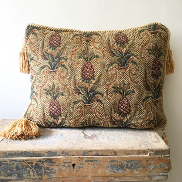 Vintage Pineapple Tassel Cushion